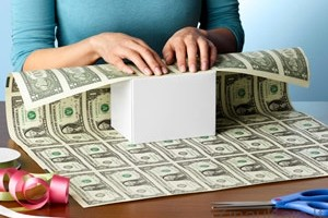 Kaip įdomiai supakuoti pinigus
