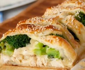 Kaip iškepti pyragą su vištiena ir brokoliais