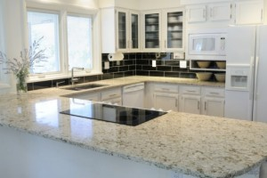 Kaip išsirinkti virtuvės stalviršį
