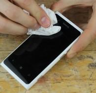 Kaip atnaujinti subraižytą telefono ekraną