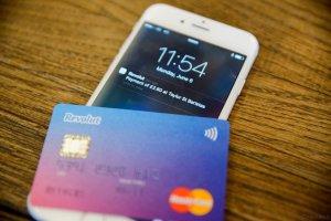 Kaip naudotis banku nemokamai arba – Revolut