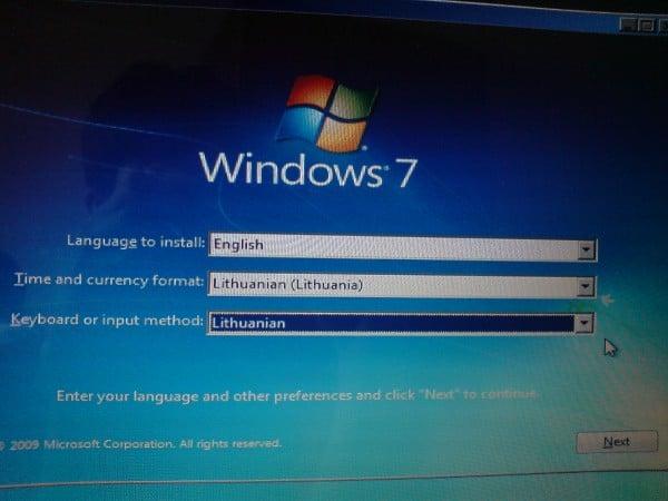 Kaip_perinstaliuoti_windows_7_1zingsnis