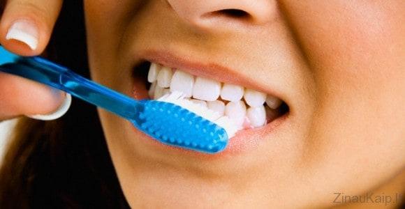 Kaip taisyklingai valytis dantis