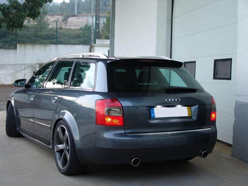 Kaip pasikeisti Audi A4 stabdžių lemputę