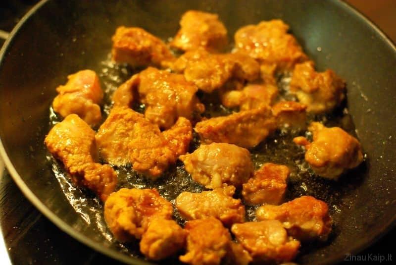 traski-kiauliena-kinietiskai-2