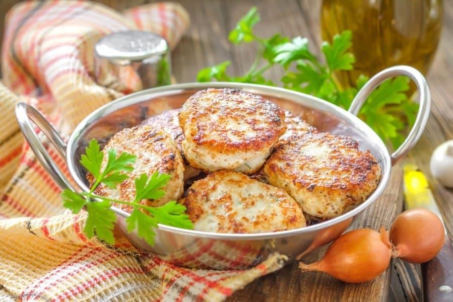 Kaip paruošti pasakiškai skanius mėsos kotletukus mažyliams
