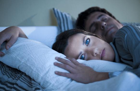 Kaip užmigti, jei kankina nemiga