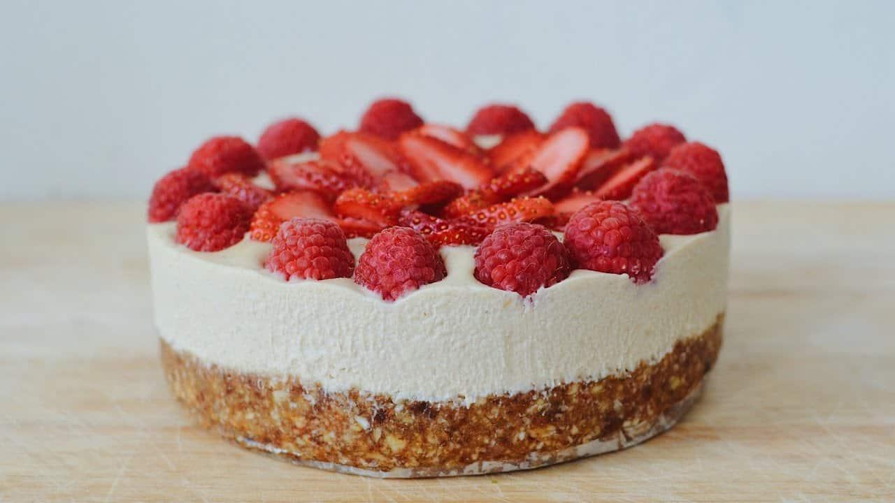 Veganiškas tortas be cukraus ir glitimo