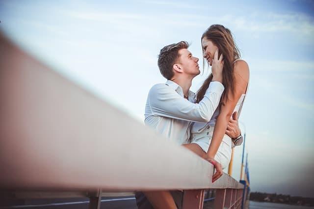 7 patarimai, kaip suvilioti vyrą ne vienai nakčiai