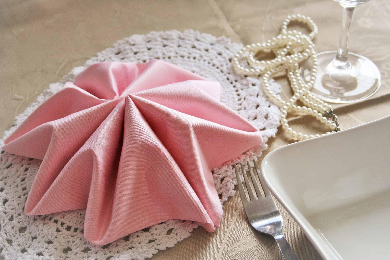 Kaip gražiai sulankstyti servetėles