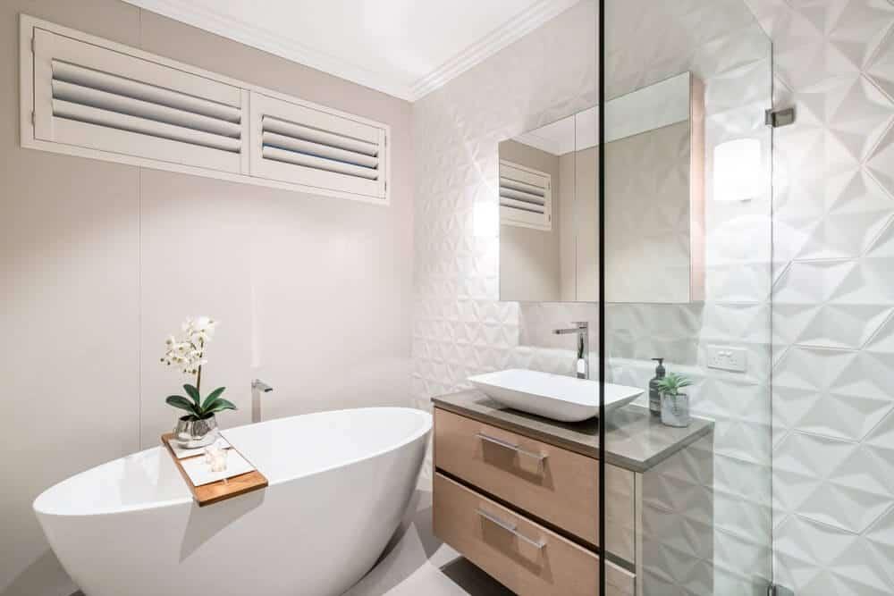 5 taisyklės, kaip pakeisti vonios kambarį