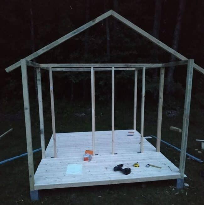 Sienų karkasas - primatuojame stogo kampą