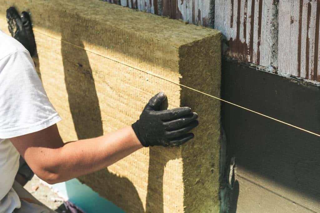 Kaip apšiltinti sienas mineraline akmens vata