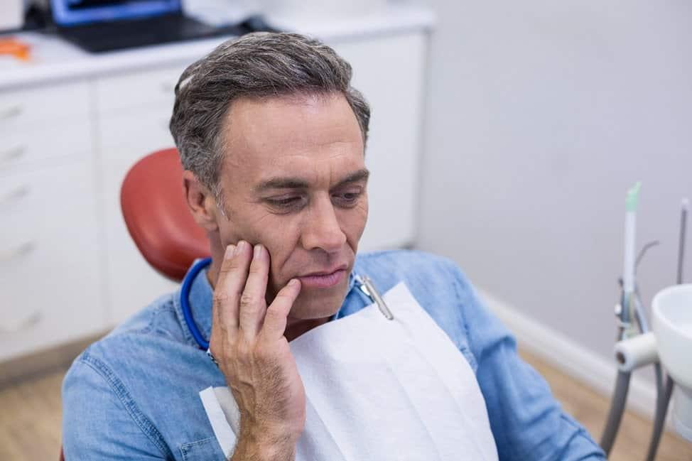 Kaip išvengti rimtų dantenų ligų?