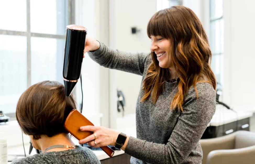 Viskas, ką reikia žinoti apie plonus plaukus
